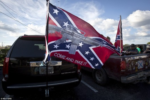 2A05011400000578-3141339-Gun_rights_This_southern_driver_s_flag_also_displayed_his_enthus-a-43_1435415500456