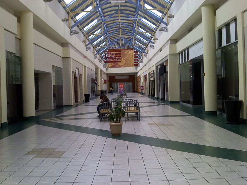 1280px-Mall_at_The_Source_empty